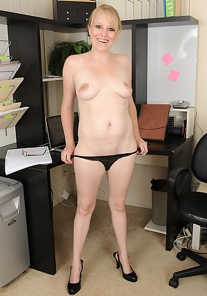 Hot Office Porn Pictures