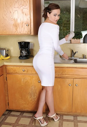Hot Housewife Porn Pictures